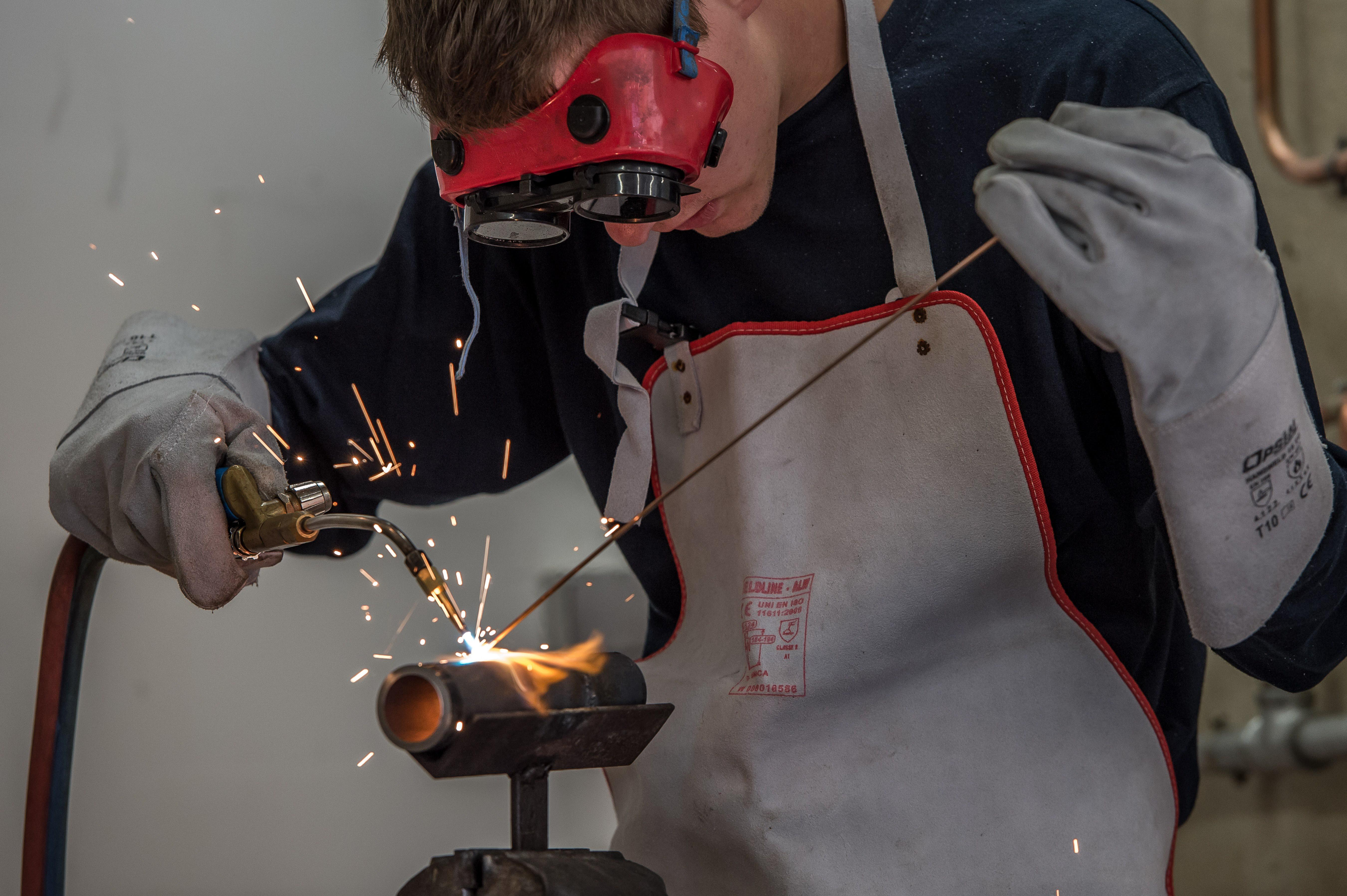 FRANCE-EMPLOYMENT-APPRENTICESHIP-TRADE-CRAFT-YOUTH-TRAINEE