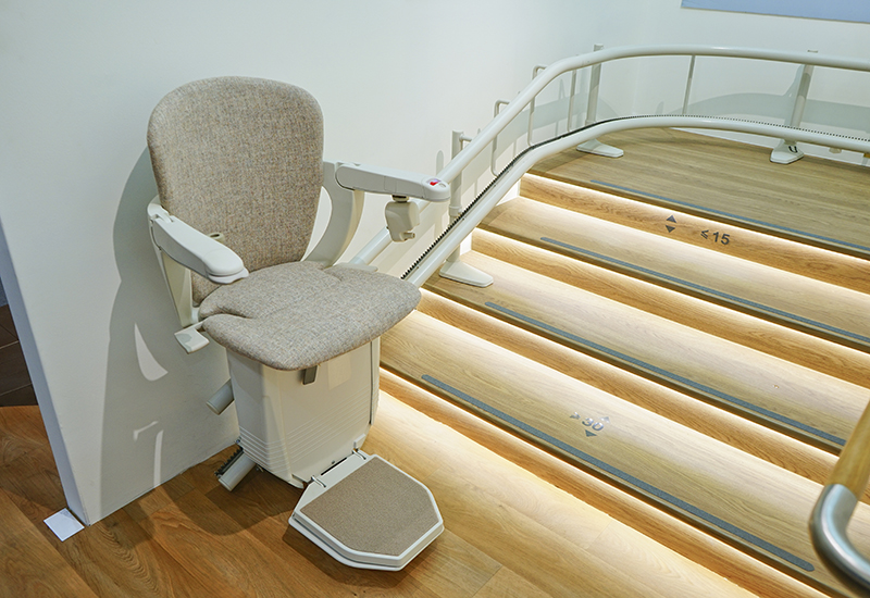 shutterstock_509771500 stair lift crop