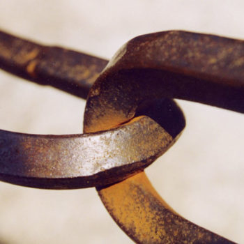 chain-supplier-relationship-stock