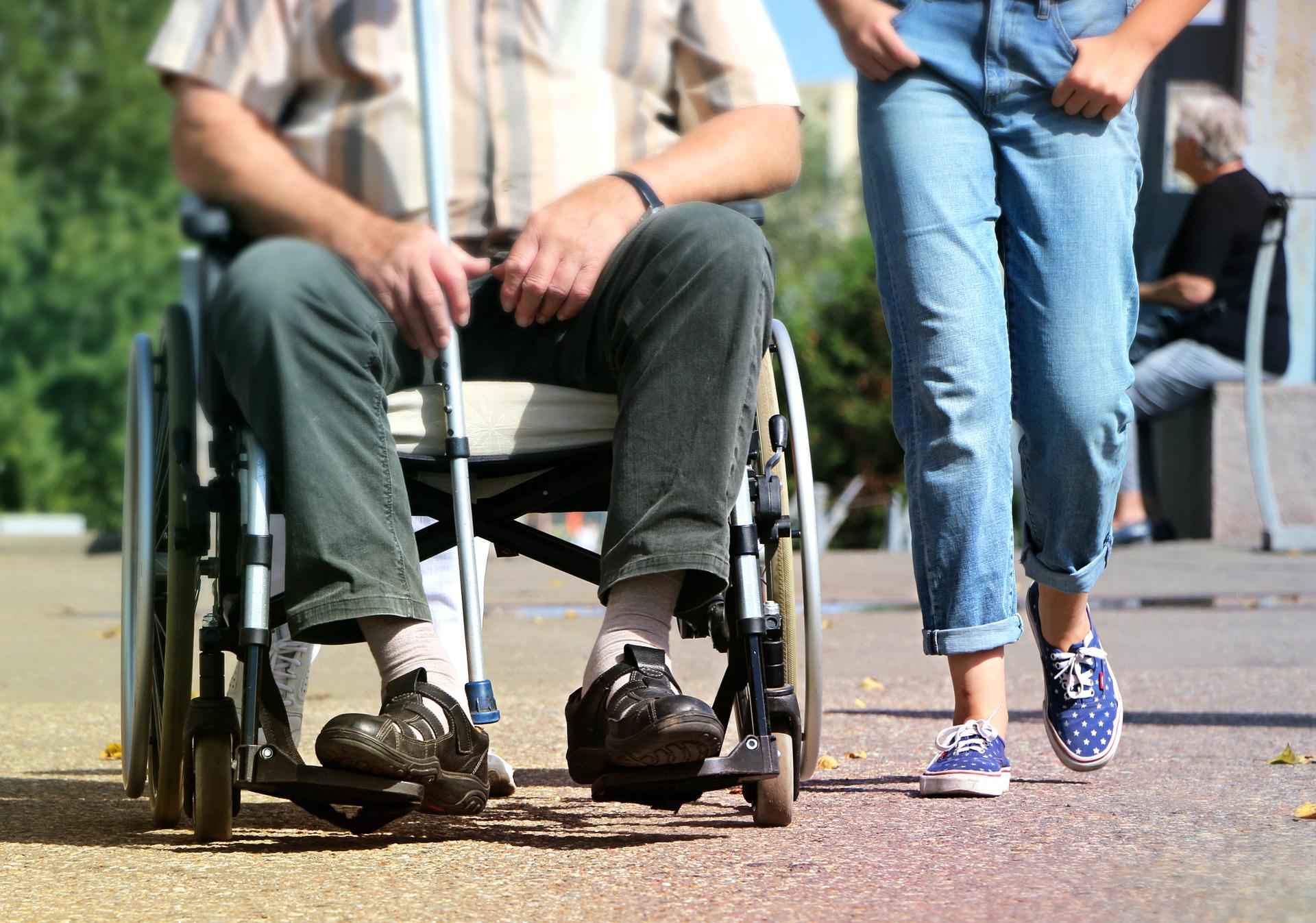 wheelchair-stock-pixabay-1629490_1920