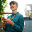 blur-businesswoman-close-up-407237