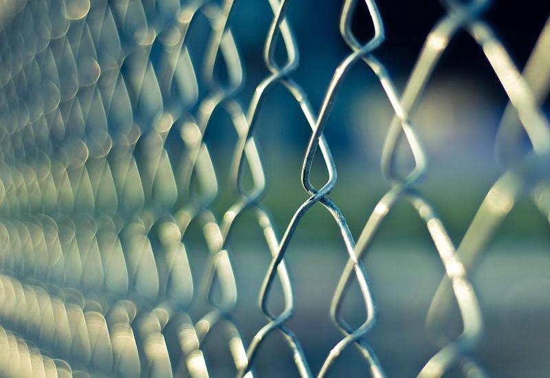 chainlink-fence-prison-jail690503_1280