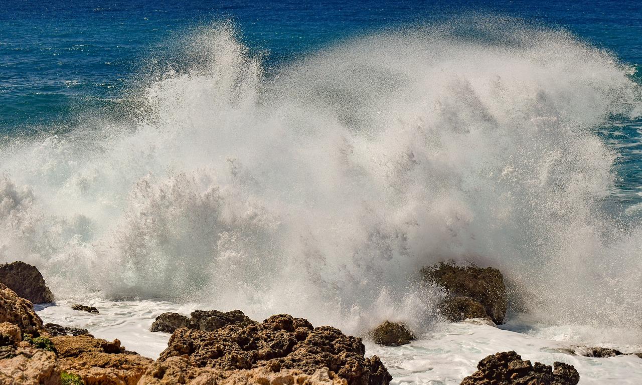 rocky-coast-4077993_1280