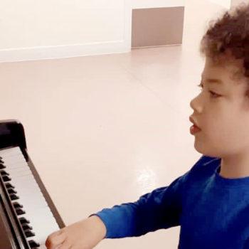 Lennie-plays-the-piano-dona