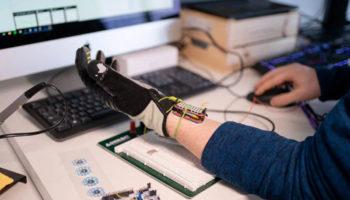 AI glove