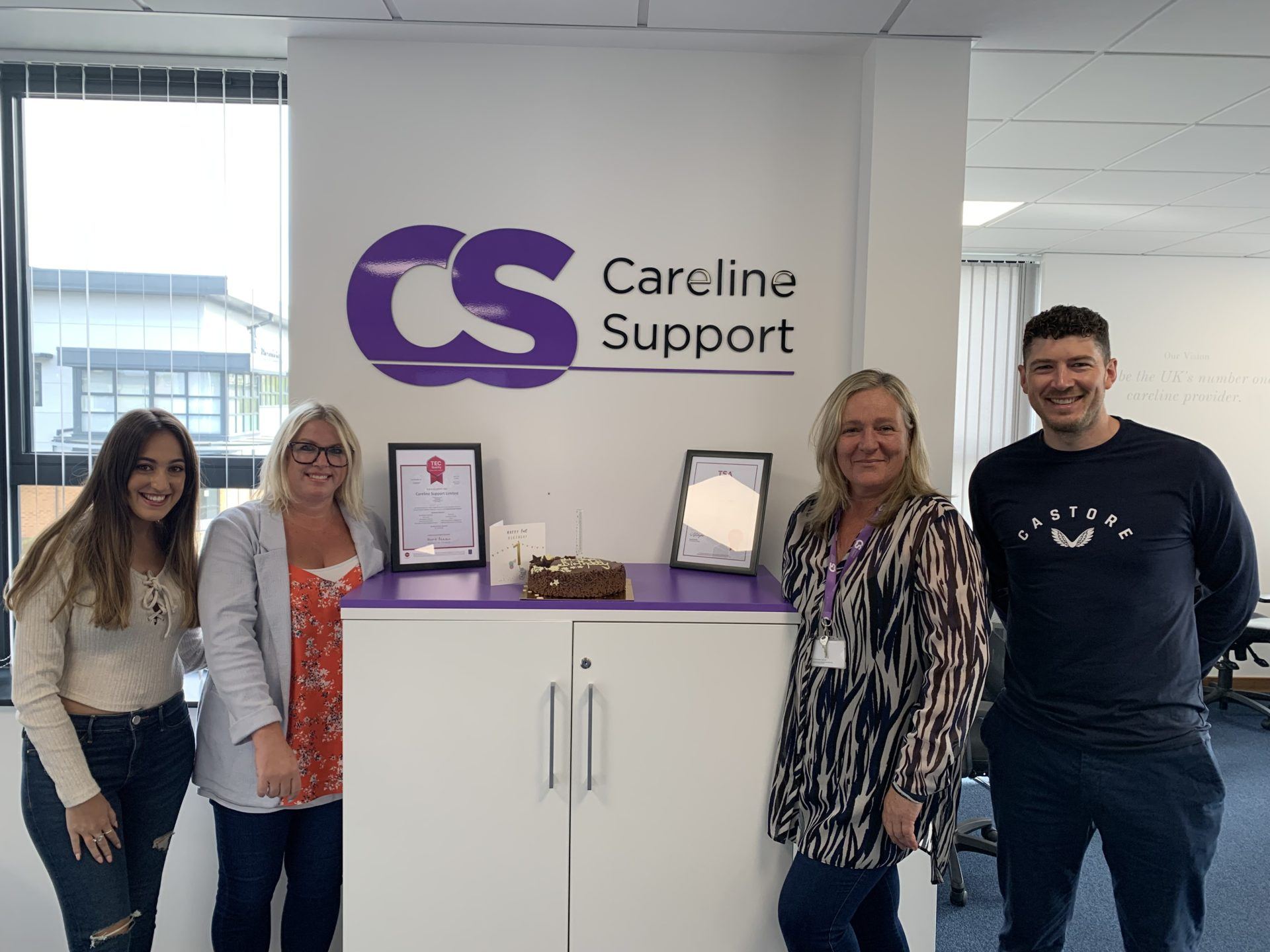 Careline Support Colleagues celebrate reaching 100000 calls by their first anniversary (2)